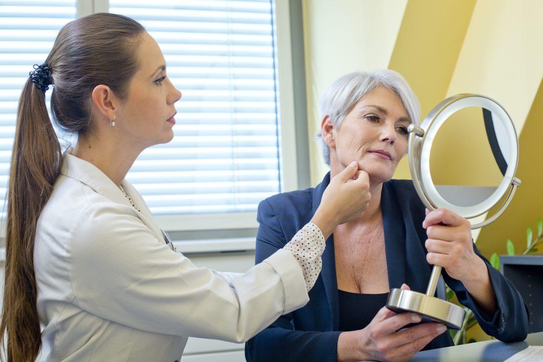 Gesichtshautuntersuchung bei Aestomed Wien